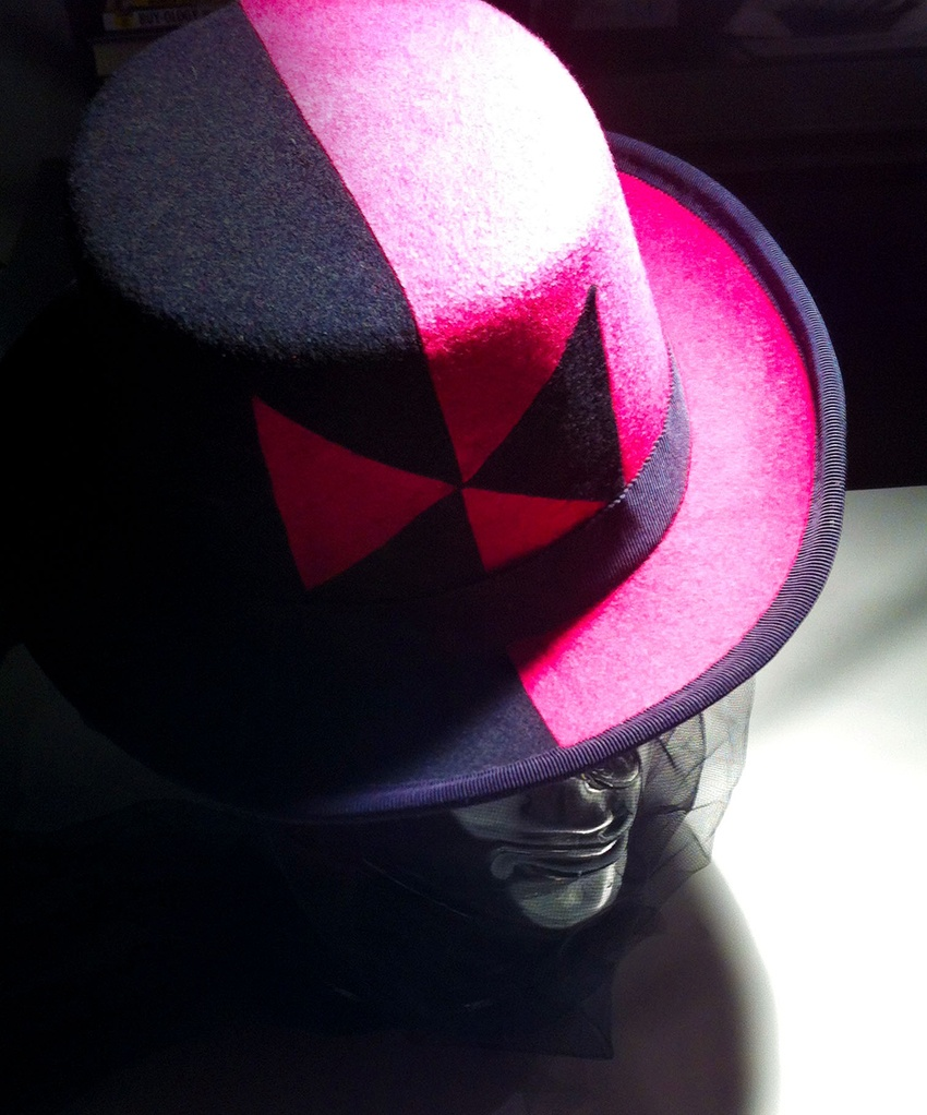 Hat made out of felt named Bluebow hat